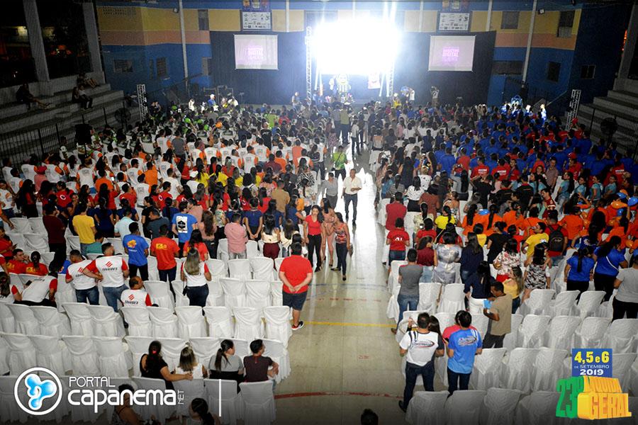 PALESTRA COM DINAH MORAES FAZ SUCESSO EM EVENTO DO CDL