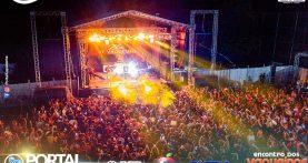 Zé Vaqueiro e Vaqueiro SM fazem show para milhares de pessoas em Capanema